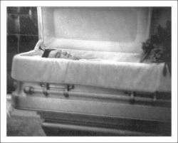 elvis-cercueil.jpg